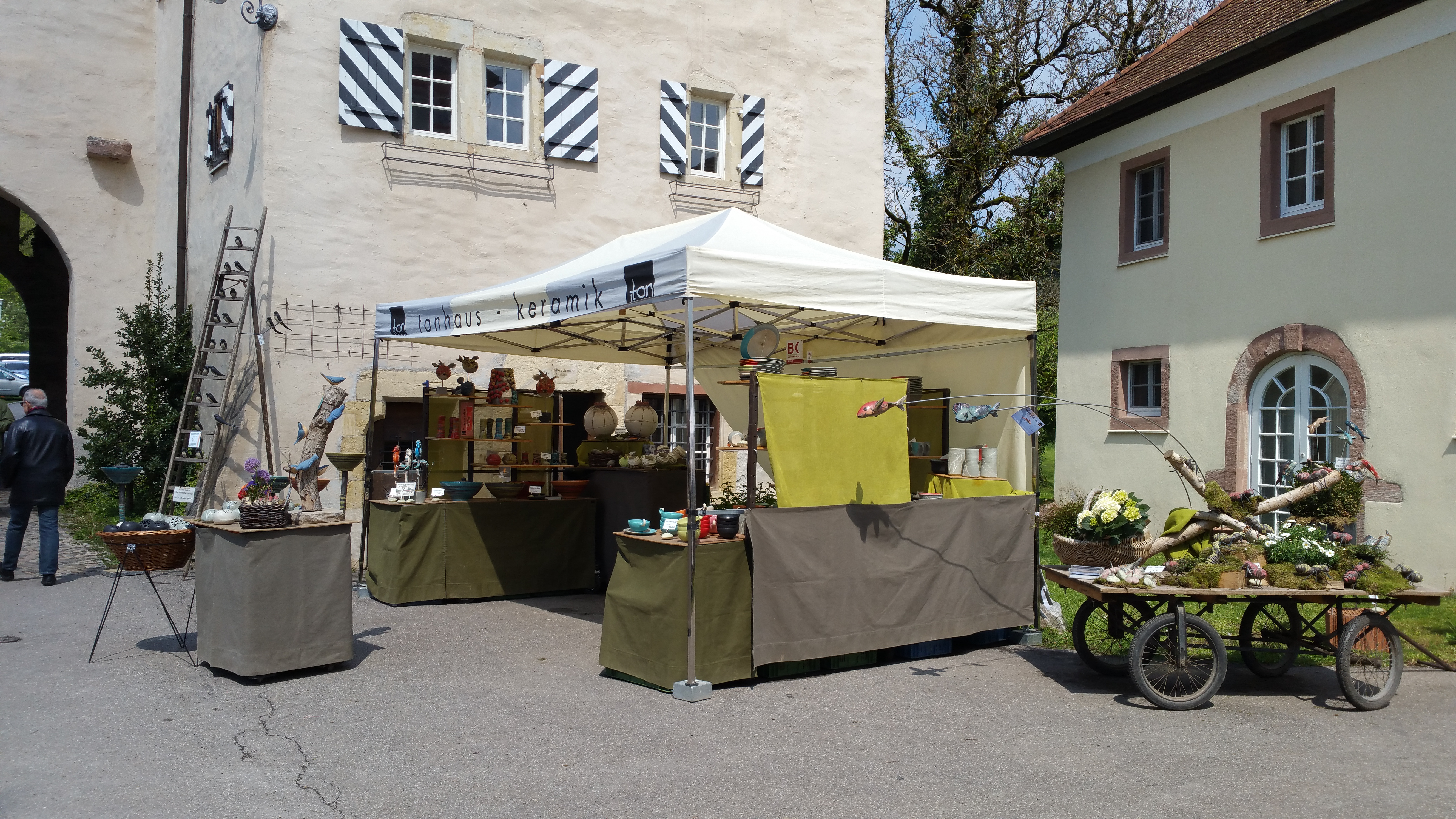 26.Künstler und Töpfermarkt in Schloss Beuggen Rheinfelden Image